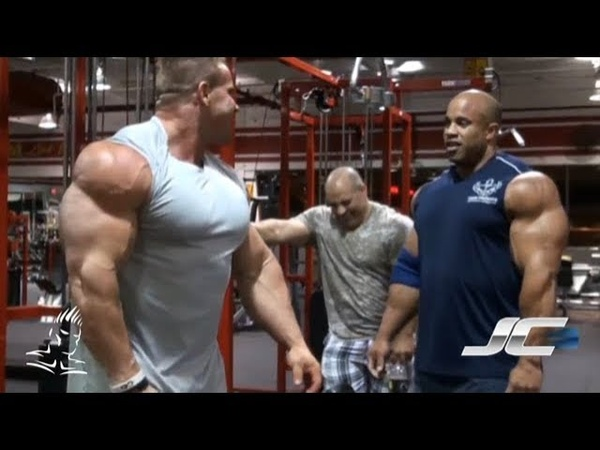 Throwback Thursday from the Cutler vault-Jay trains triceps 7.5 weeks out from the 2011 Olympia.