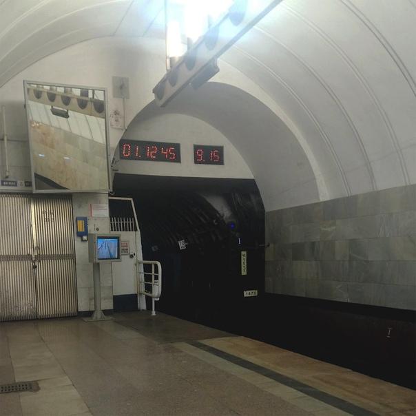 Окончание Чеховской платформы. 9 минут ожидания — это уже неприличный максимум для Москвы, где лучший сервис метро.  19 июня 2018