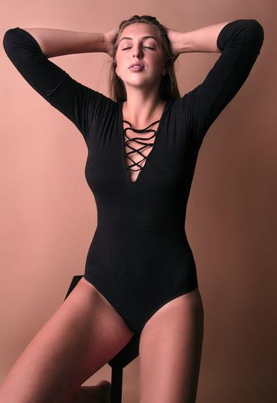 Лена Савкина