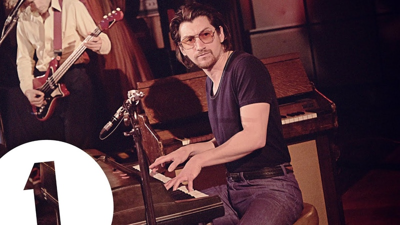 Arctic Monkeys – Four Out Of Five live at Maida Vale