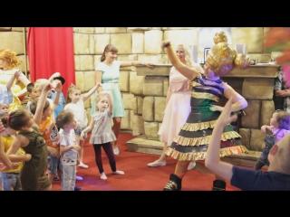 Кукла ЛОЛ и ее танец про телефон