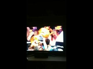 Александр Усик - обладатель Кубка Мохаммеда Али и новый абсолютный чемпион мира в первом тяжёлом весе. Поздравляем!