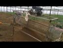 Очистка земли от камней и комков в теплице с помощью самодельного просеивателя