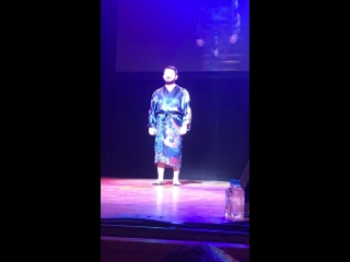 Михаил Галустян танцует стриптиз в Нью Йорке