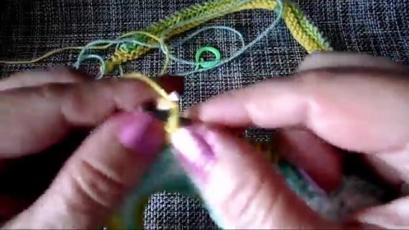 Шаль спицами частичным вязанием
