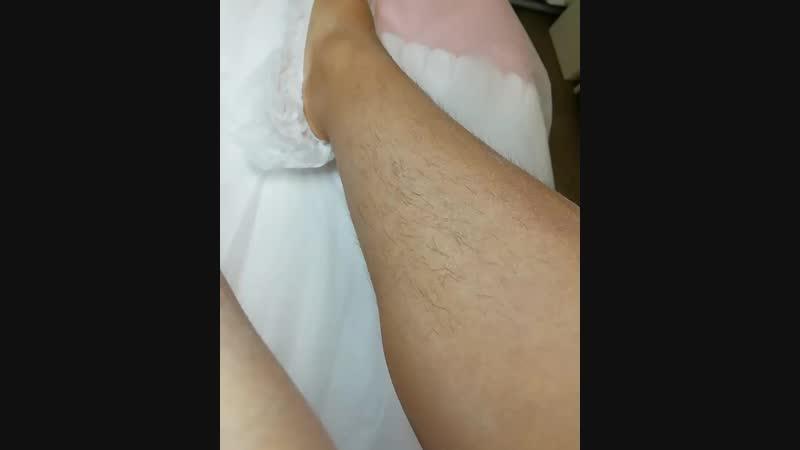 Когда волосков много и они достаточно длинные, пасту наносим очень медленно, чтобы минимизировать болезненные ощущения.