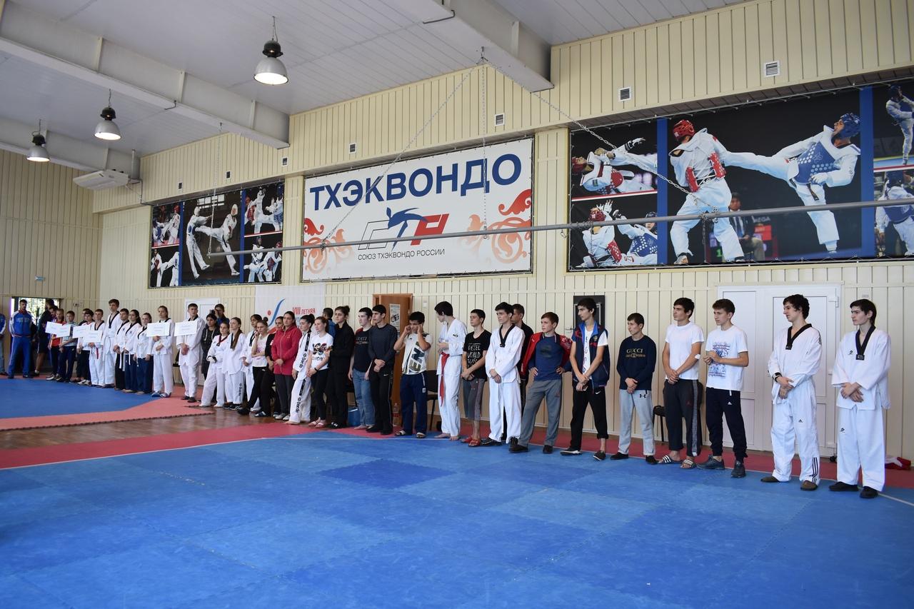 В Таганроге состоялось первенство России по спорту глухих (тхэквондо)