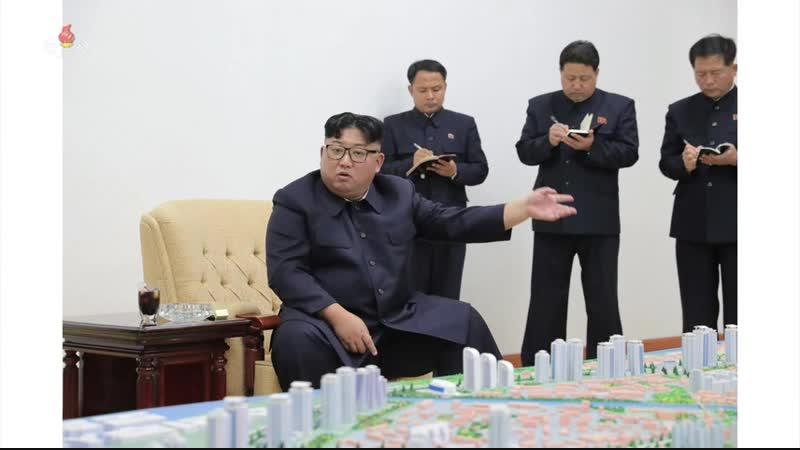 경애하는 최고령도자 김정은동지께서 신의주시건설총계획을 지도하시였다