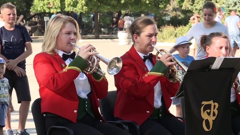 В Севастополе выступил знаменитый духовой оркестр из Уэльса Symphonic Brass Wales