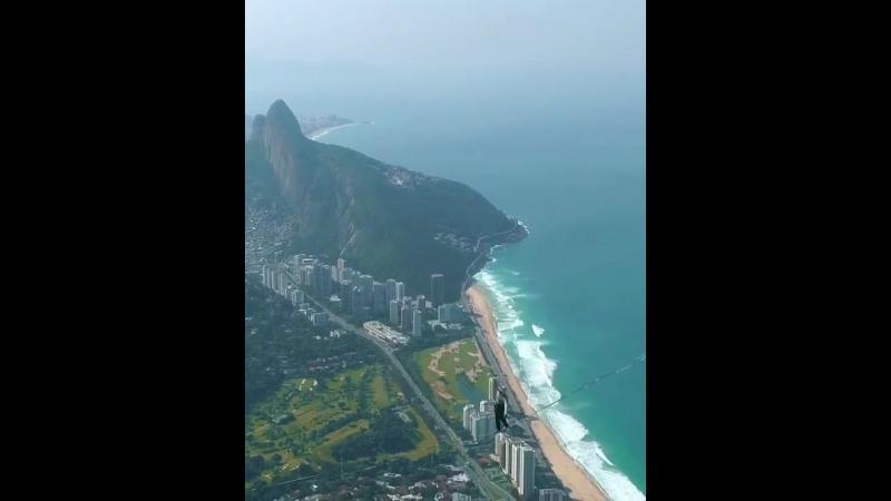 Над Рио-де-Жанейро .mp4