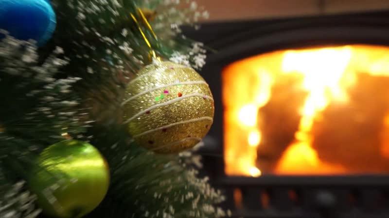 Поздравление на новогоднем шарике