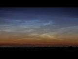 Timelapse видео ....Предрассветные серебристые облака были видны из Северного Оксфордшира ночью и до рассвета 22-го июня