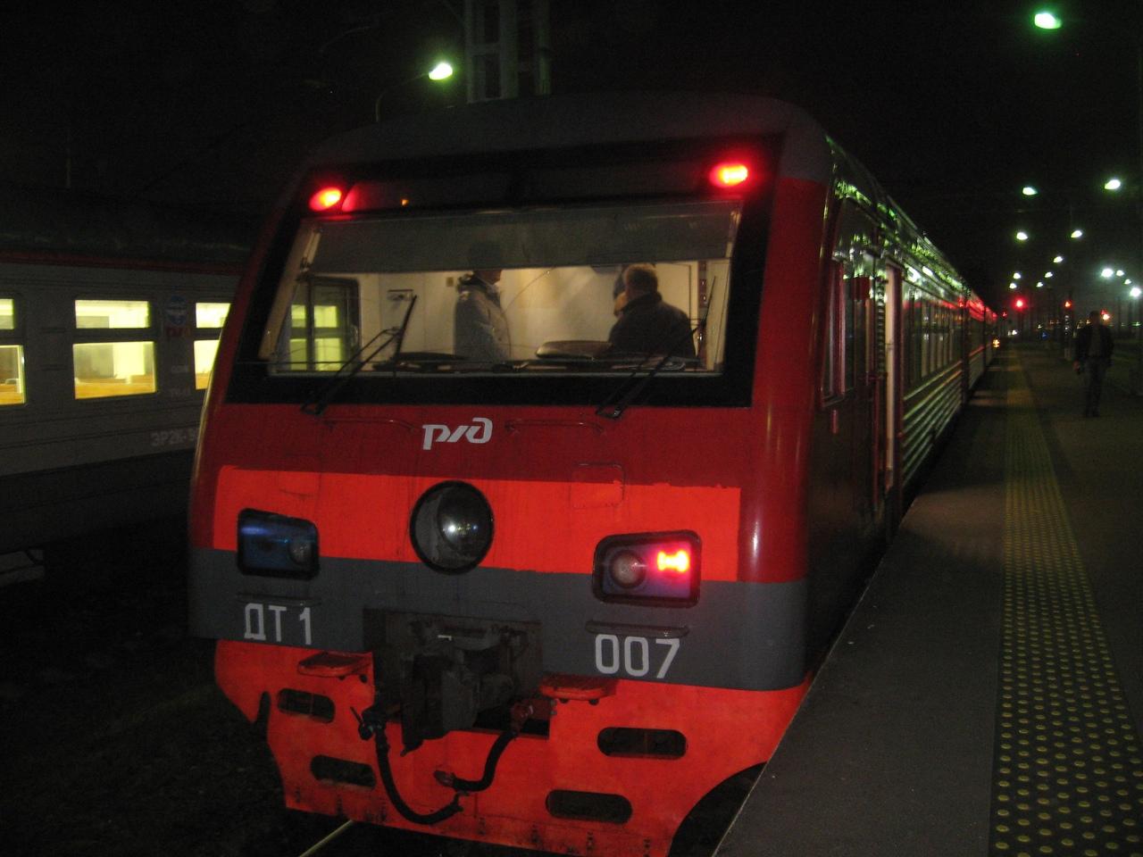 ДТ-1 - Самый крутой поезд России. Электричка и дизель в одном лице. Горжусь, что у нас есть такое!