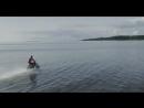 Петербуржец промчал по водной глади Финского залива на мотоцикле