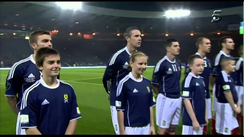 Amy Macdonald - Flower of Scotland Anthem Scotland-Spain 20101012