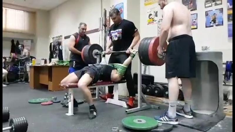 Жим в слинге 220 кг * 1 раз