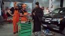 Ремонт автомобиля приколы на сто На троих смотреть онлайн сериалы и комедии семейные Украина