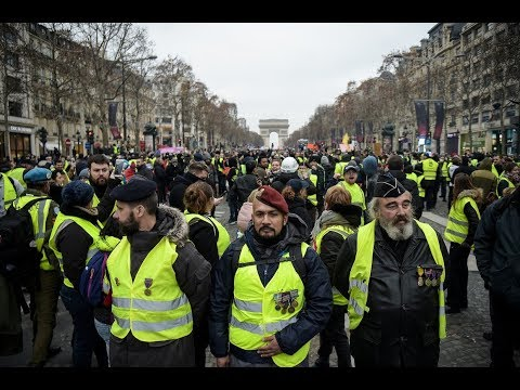Yellow Vests protesters hit the streets of Paris 27th weekend in a row - YouTube
