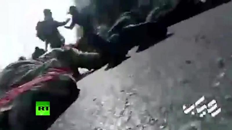 Видео момента стрельбы на военном параде в Иране. По последним данным, погибли 11 человек, десятки ранены