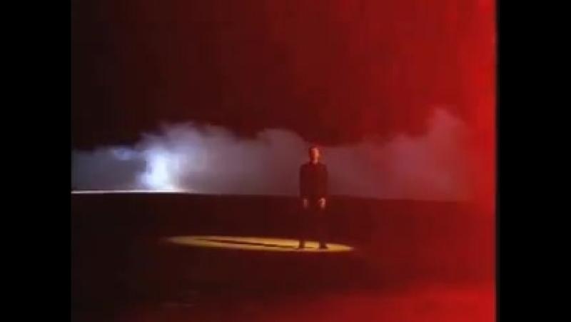 Yoshiki – Longing (director: David Lynch, 1995)