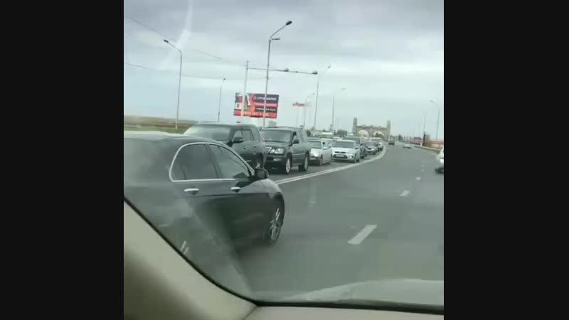 Народ едет в Магас все они требуют отменить закон о границе с Чечней
