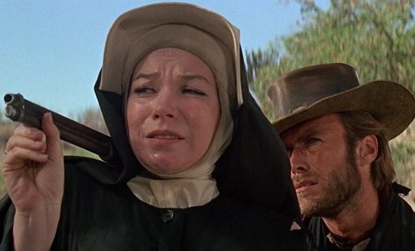 Два мула для сестры Сары (1970) Франко-мексиканская война 1860-х. Авантюрист Хоган (Клинт Иствуд) спасает монахиню Сару (Ширли МакЛейн) от изнасилования тремя бандитами, которых он убивает.