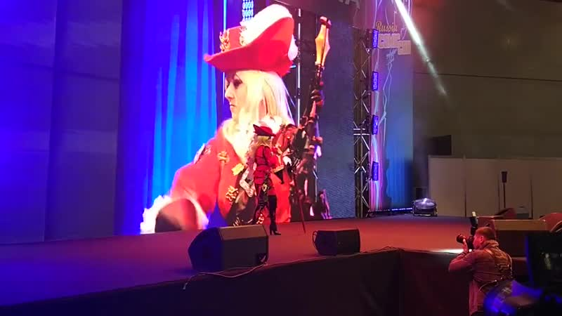 Comic Con Cosplay Competition. Red Mage defile
