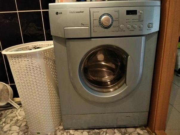 Продам стиральную машину LG на 5 кг