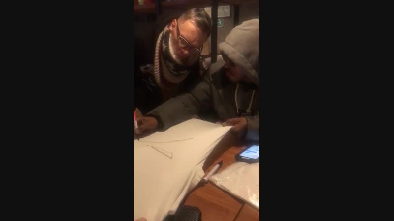 Sticky Fingaz - Autograph session (Ketch UP Burgers, Rostov, Russia) [December 1, 2018]