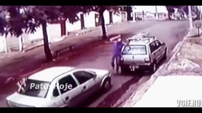 Водитель наверное работает каскадером - avtofun.ru