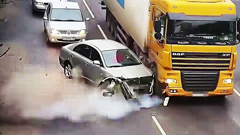 Nobody ever expected it but happened! (Trucks tyres explode)