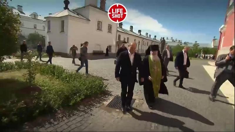 Vladimir Poutine est de nouveau venu au monastère de Valaam