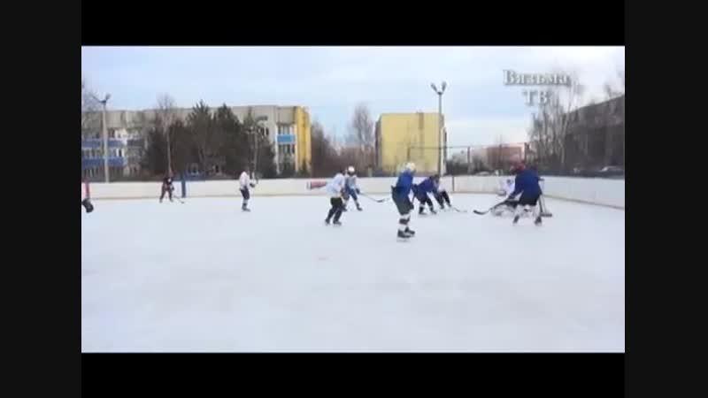 Военнослужащие воинской части на Вязьма Брянской открыли хоккейный сезон