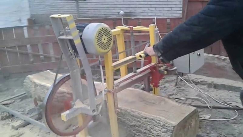 Самодельная ленточная пилорама на 440 мм колёсах дополненая линейкой, капельницей и амперметром cfvjltkmyfz ktynjxyfz gbkjhfvf y