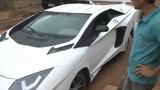Transformou um Fiat uno em uma Lamborghini
