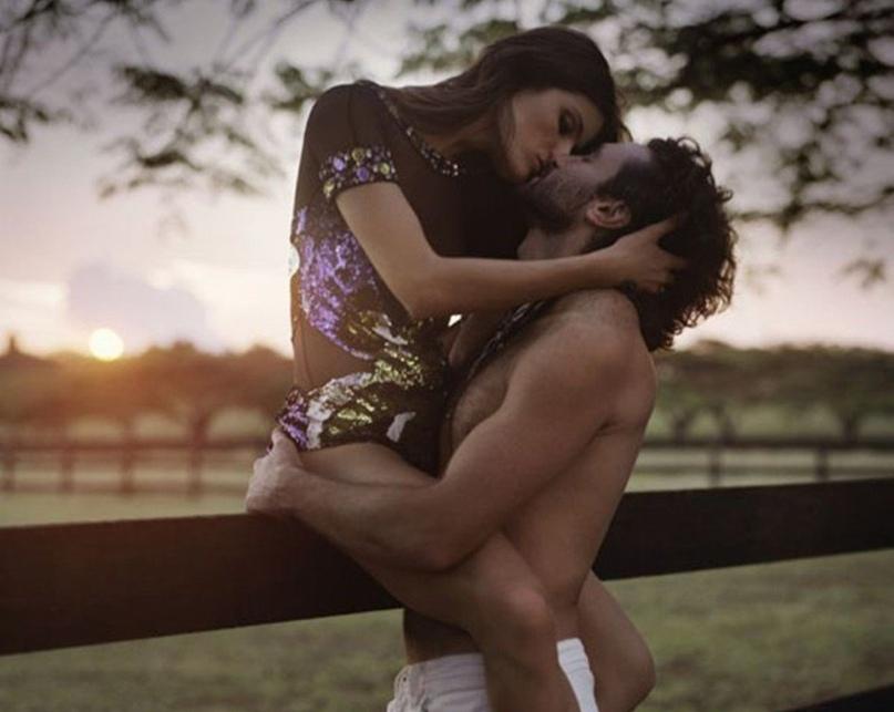 На Домашнем Диванчике В Порно Молодая Парочка Устроила Жаркие Игры