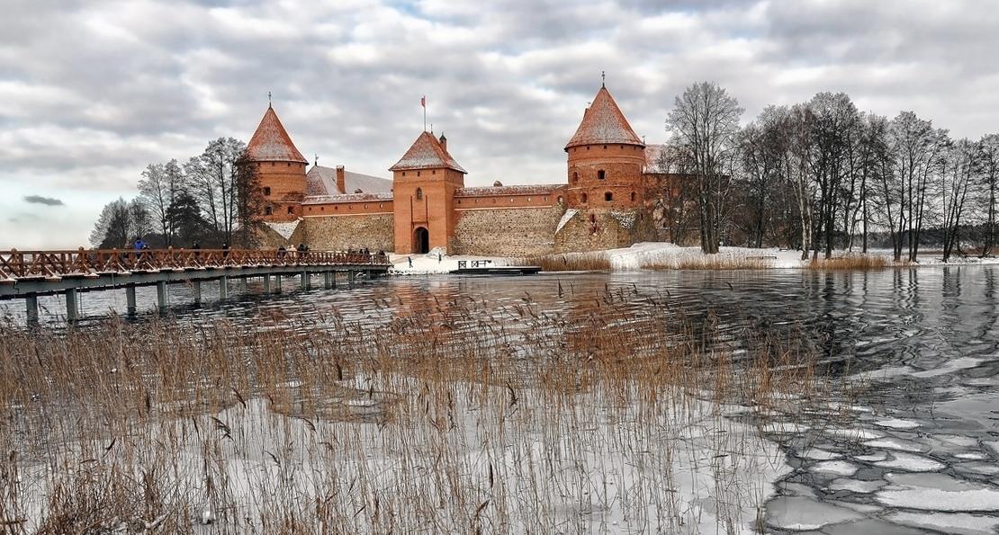 Замок в Троках. Зима.