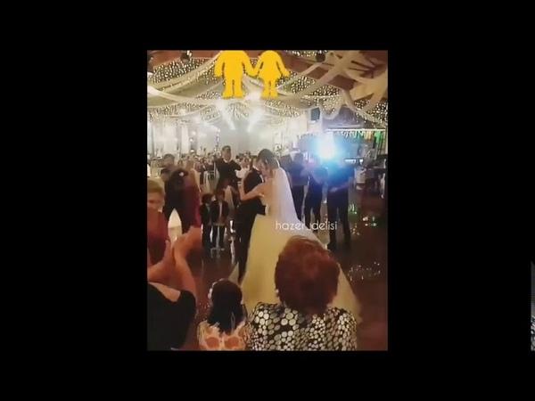 Adını Sen Koy Erkan Meriç Abisinin düğününde.Keyifler Ela