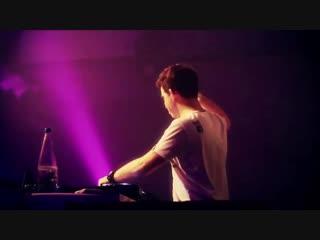 Tiësto Hardwell - Zero 76 (Official Music Video) [1080 HD]