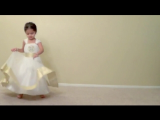 Ruhi dancing on Prem Ratan Dhan Payo at four