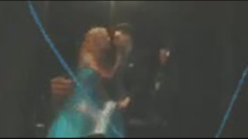 Re que ellos se separan así hola acá el final del beso del 2106 creo jaja - - RuggeroPasquarelli KarolSevilla SoyLuna KCAMexico