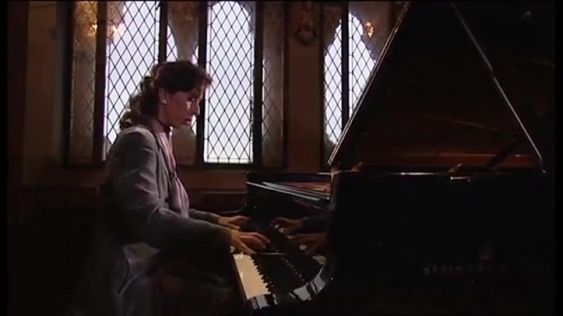882 J. S. Bach – Prelude and Fugue in F-sharp major, Well-Tempered Clavier II n. 13, BWV 882 - Angela Hewitt