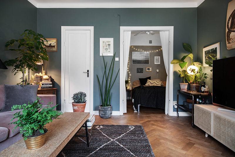 Небольшая квартира с зеленой гостиной (39 кв.