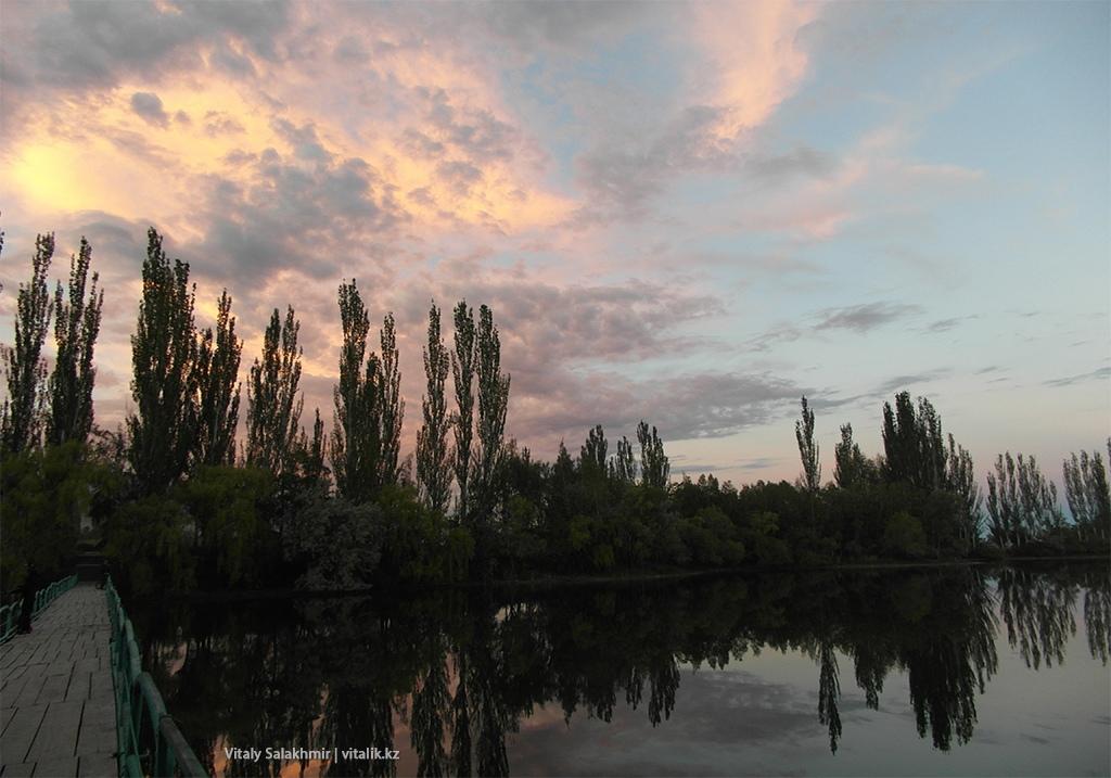 Закат над озером, Иссык-Куль