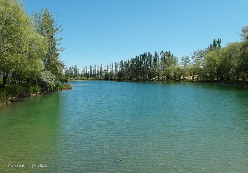 Залив, озеро Иссык-Куль