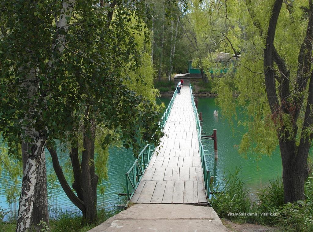 Мост через озеро, обзор сверху
