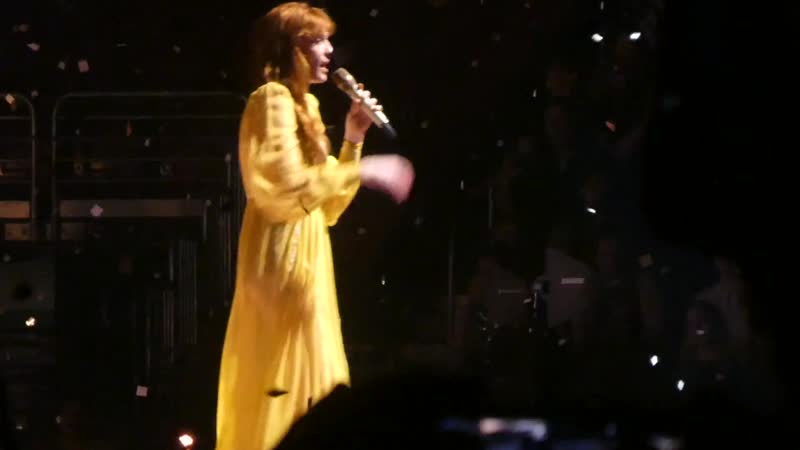 "_""Shake It Out_"" Florence _u0026 the Machine@Wells Fargo Center Philadelphia 10_⁄14_⁄18"