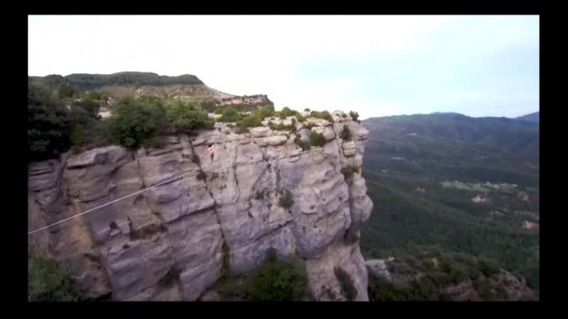 Невероятно, как они это делают! Highline в Каталонии Барселона