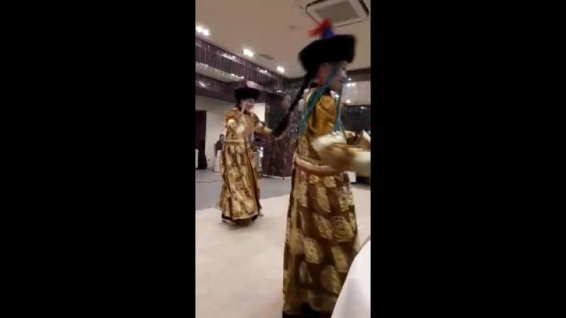 Танец бурятский
