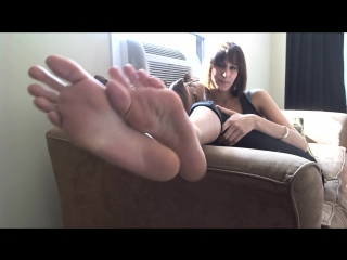"""Erin duval: """"lick my smelly feet!"""""""